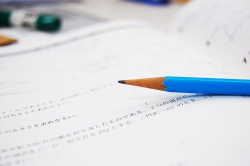 中学3年生、受験と部活、どちらを優先すべきなのか。